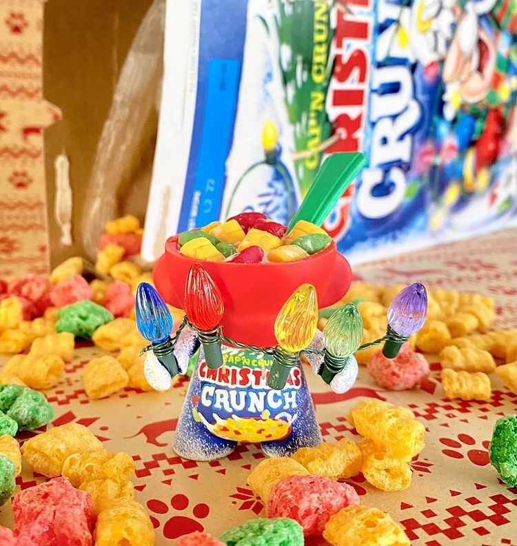 cap'n crunsh christmas crunch munny with cereal