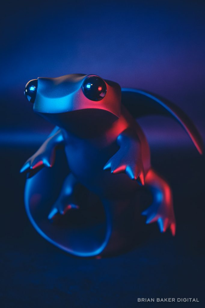 apo newt under red and blue lights