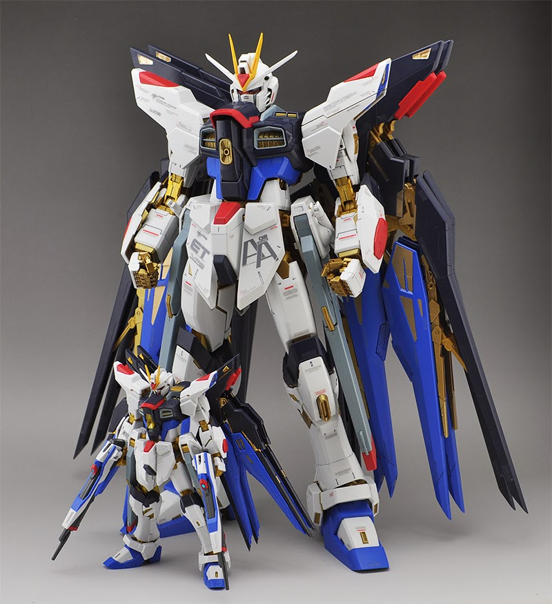real grade vs perfect grade strike freedom gundam